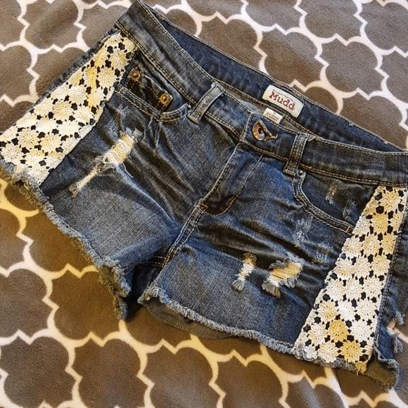 Mudd Pants - NWOT Mudd Distressed Denim Shorts W/ Lace Panels